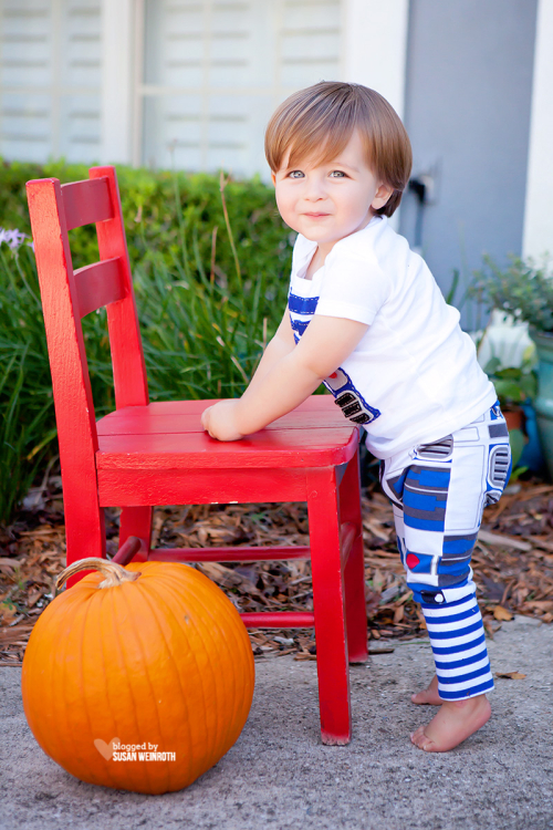 Blog - star wars family halloween2 R2D2 Baby costume